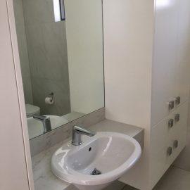 Bathroom & vanities